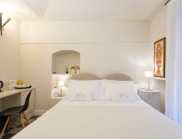 San Carlo Suites Noto - Deluxe Room Mascheroni - KingSize Bed