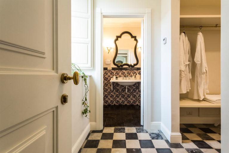 San Carlo Suites Noto - Deluxe Room Mascheroni - Bathroom