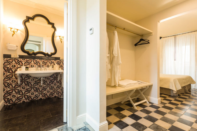 San Carlo Suites Noto - Deluxe Room Mascheroni - Dettaglio Bagno