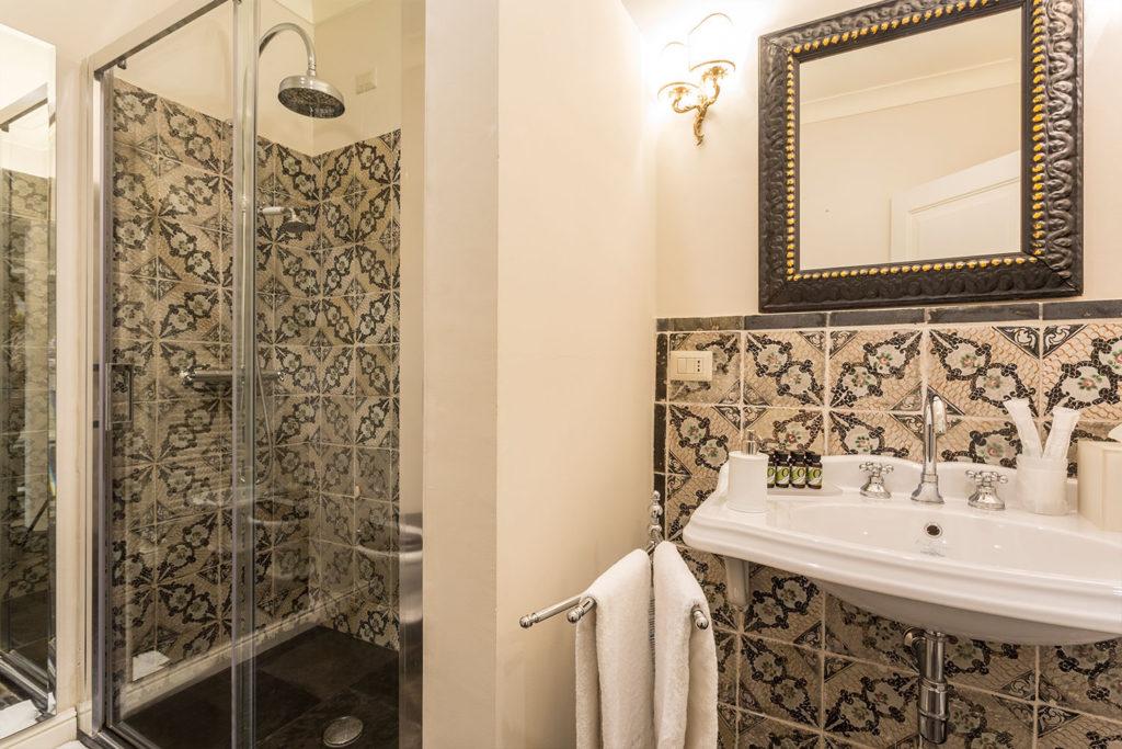 San Carlo Suites Noto - Deluxe Room Campanile - Bathroom