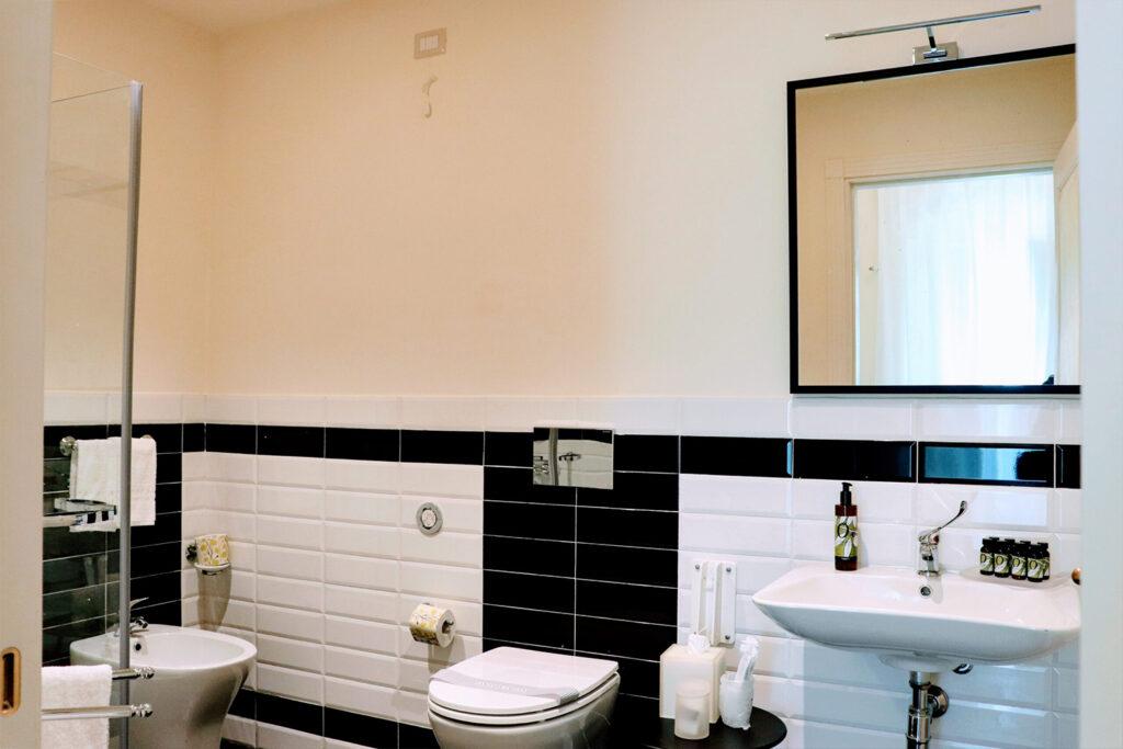 superior-room-nicolaci-bagno